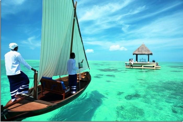 partir-aux-maldives-maldive-voyage-sejour-maldive-image-mer-et-bar