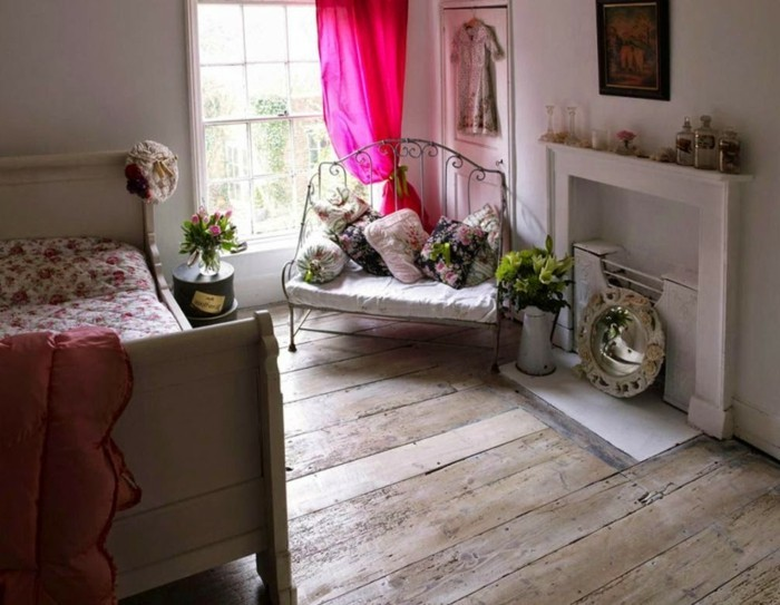 patiner-un-meuble-decoration-shabby-chic-tapisserie-kitch-meuble-gustavien