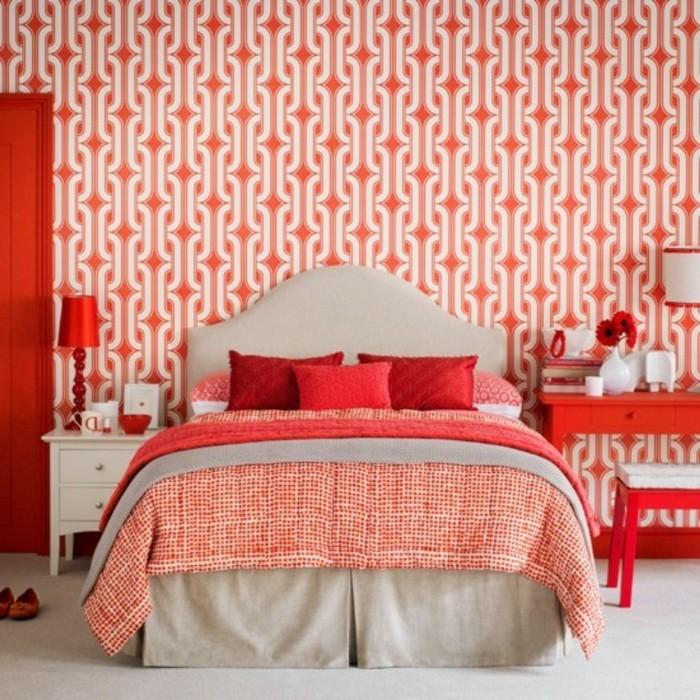 peinture-corail-deco-salon-moderne-sejour-moderne-lit-mur-papier-peinte
