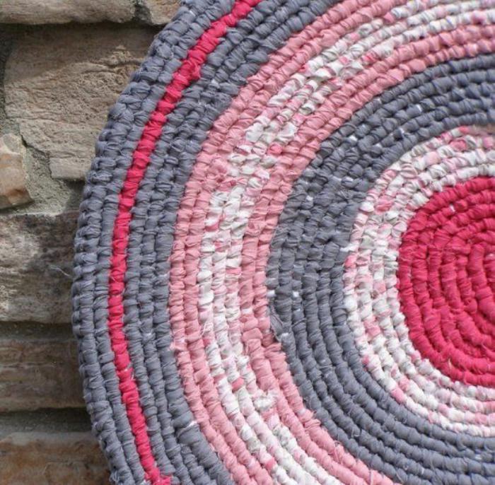 Le petit tapis rond belle solution pour les petits for Petit tapis exterieur