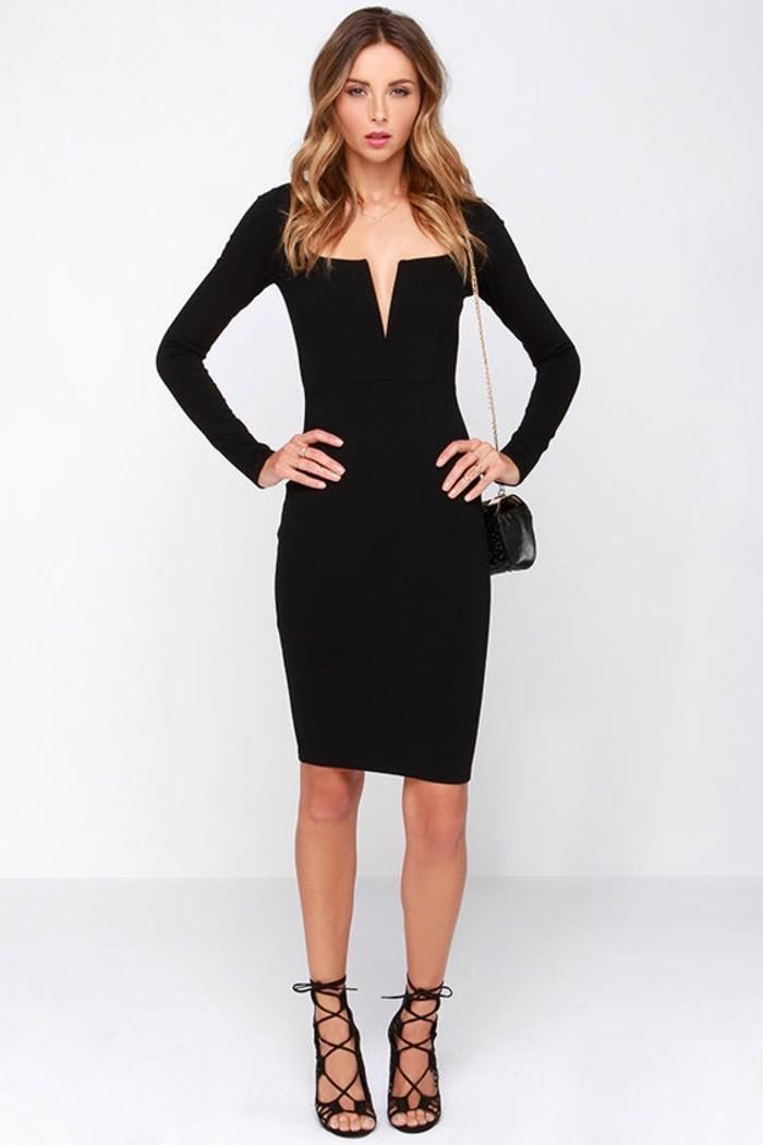 petite-robe-noire-chic-admirable-idée-tenue-jolie-decoletage
