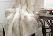 Le plaid fausse fourrure – confort pour vous et style luxueux pour l'intérieur
