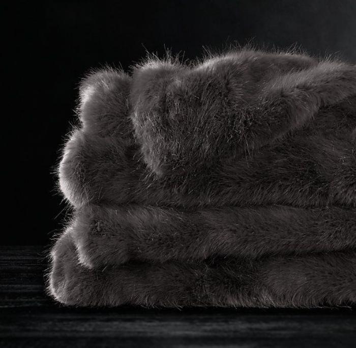 plaid-fausse-fourrure-cadeaux-moelleux-et-cosy-pour-l'hiver