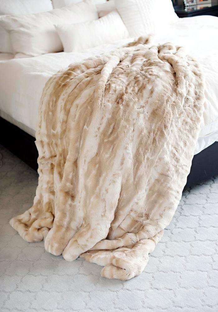 plaid-fausse-fourrure-couverture-moelleuse-beige