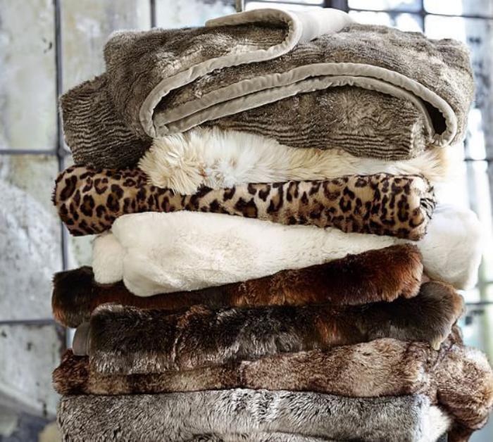 plaid-fausse-fourrure-jolis-accessoires-pour-votre-salon-ou-chambre-à-coucher