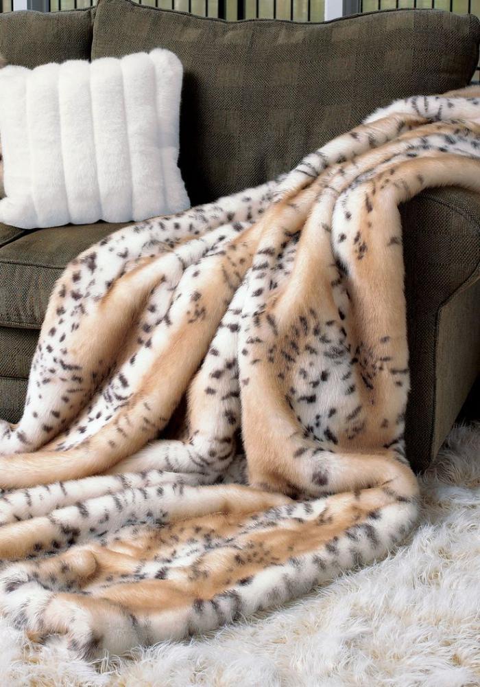 plaid-fausse-fourrure-motif-animal-léopard
