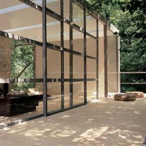 La porte coulissante en verre - gain d'espace et esthétique moderne