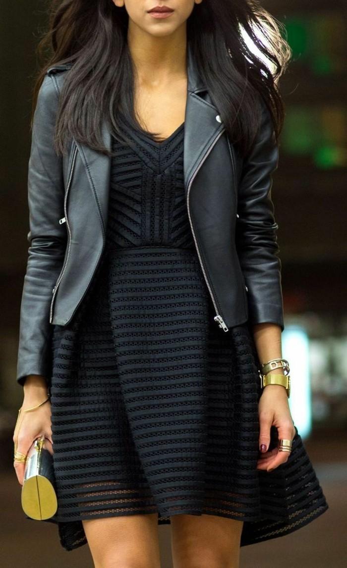 robe-noire-grande-taille-chic-élégante-idée-tenue-cuir-veste