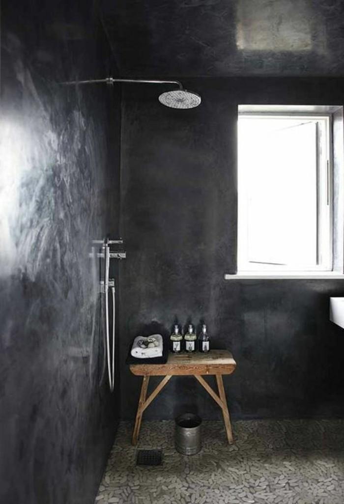 salle-de-bain-en-beton-cire-noire-meubles-dans-la-salle-de-bain-chic