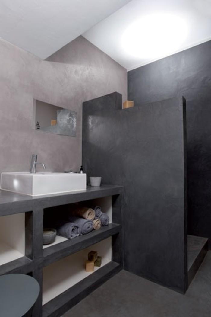 Relooker une salle de bain 42 id es en photos for Beton cire sur carrelage mural salle de bain