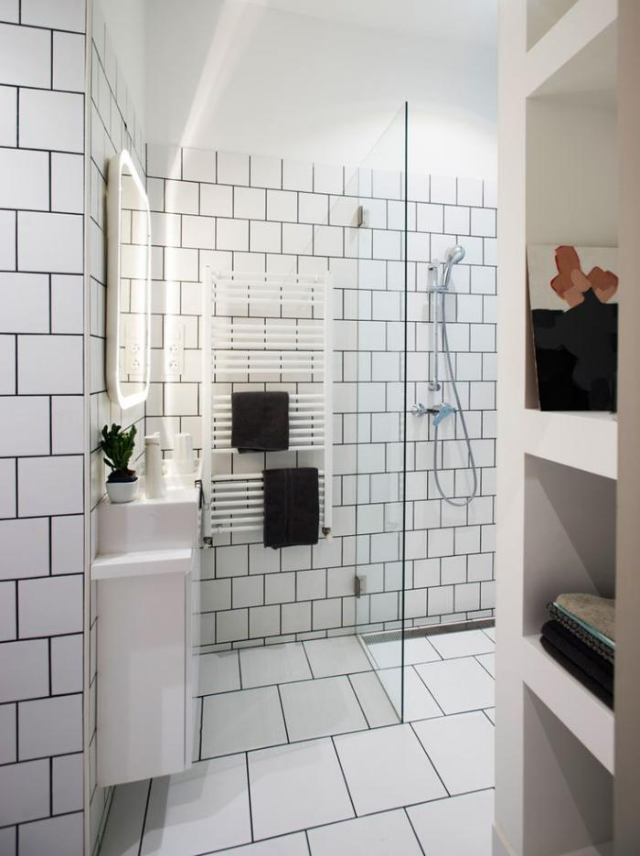 La salle de bain scandinave en 40 photos inspirantes - Fughe piastrelle bagno ...