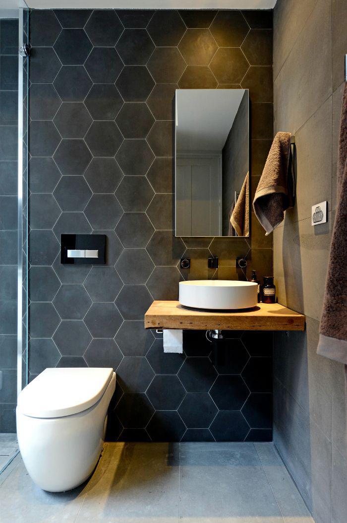 salle-de-bain-scandinave-carrelage-hexagonal-noir