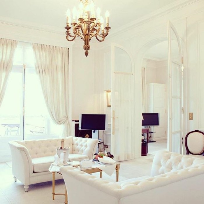 La chambre style baroque nos propositions en photos for Lustre baroque pas cher