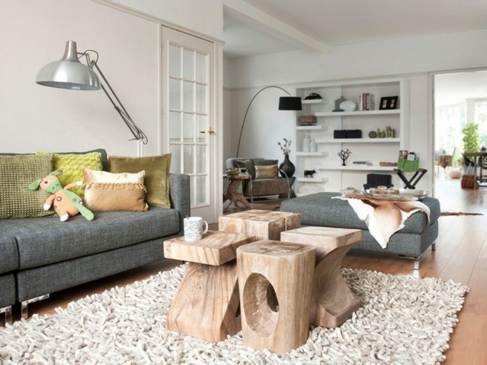 salon-bien-aménagé-canapé-vintage-canapes-vintage-shaggy-tapis-table-basse-bois-flotant