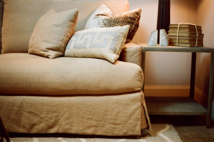 salon-canapé-convertible-lin-beau-intérieur-aménagement-angle