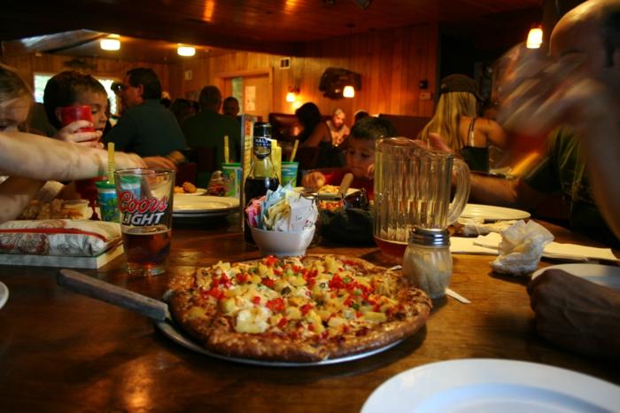savoureux-meilleure-pizzeria-marseille-la-boite-a-pizza-avec-amis