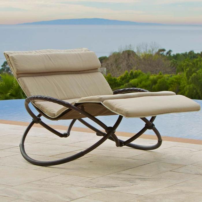Uniques id es pour la d co avec la chaise pliante - Chaise flottante pour piscine ...