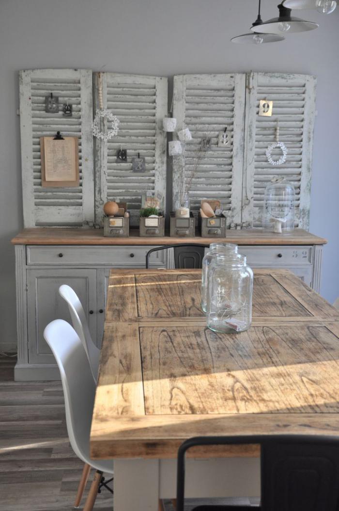 D corez vos int rieurs avec une belle table rustique for Meuble salle de bain avec porte persienne