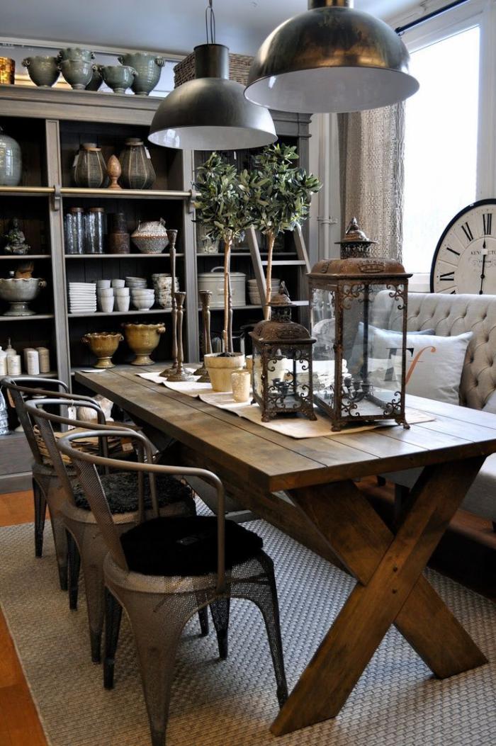 table-rustique-salle-de-déjeuner-rétro-lampes-industrielles