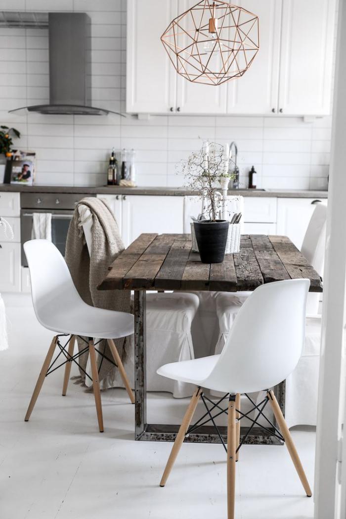 table-rustique-table-bois-brut-et-acier