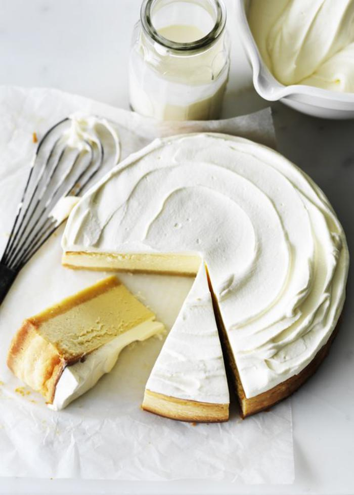 tarte-au-fromage-blanc-avec-crème-au-lait