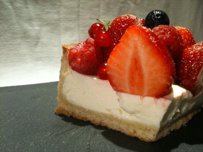 tarte-au-fromage-blanc-cheescake-aux-fraises-délicieux