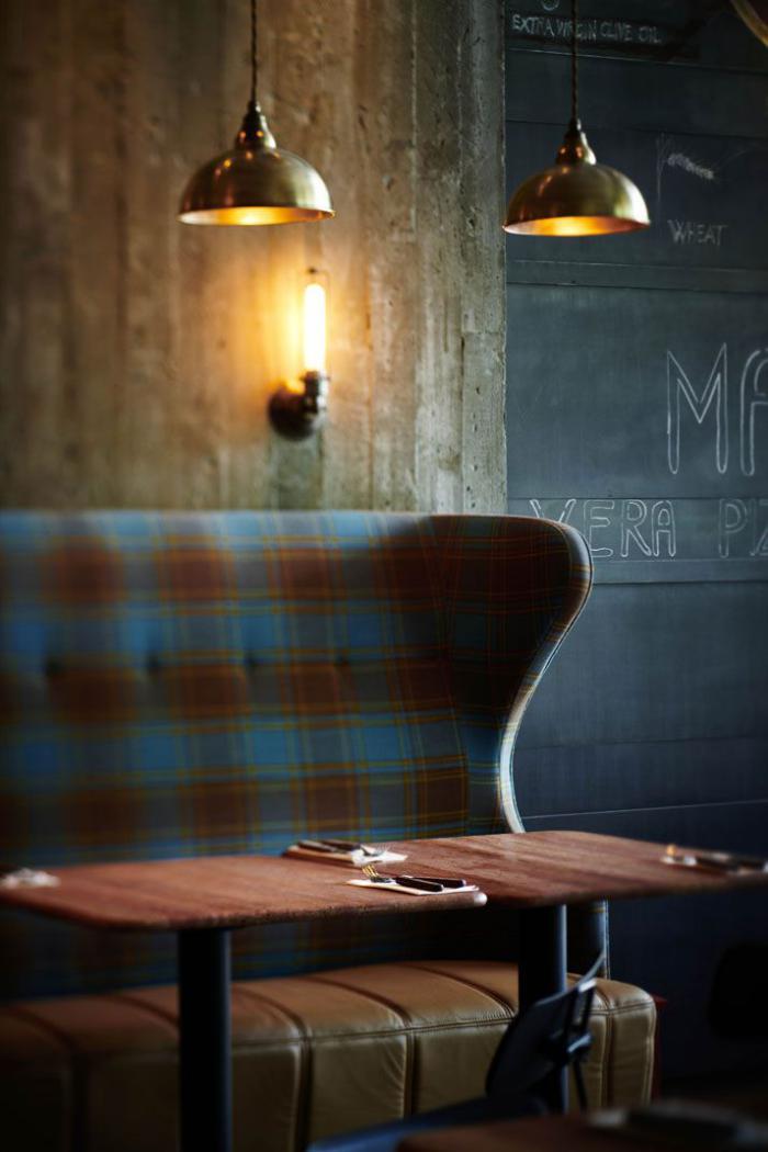 tissu-écossais-sofa-tartan-déco-industriel