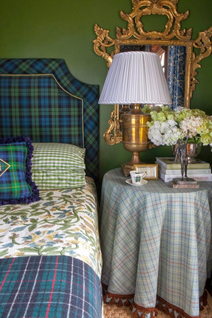 tissu-écossais-tête-de-lit-tapissée-avec-tartan-ecossais-et-couverture-tissu-écossais