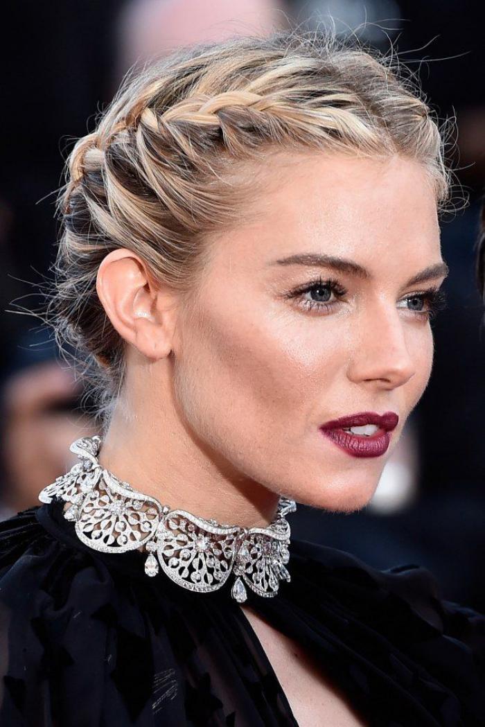 La coiffure tresse couronne diff rents styles - Image de tresse ...