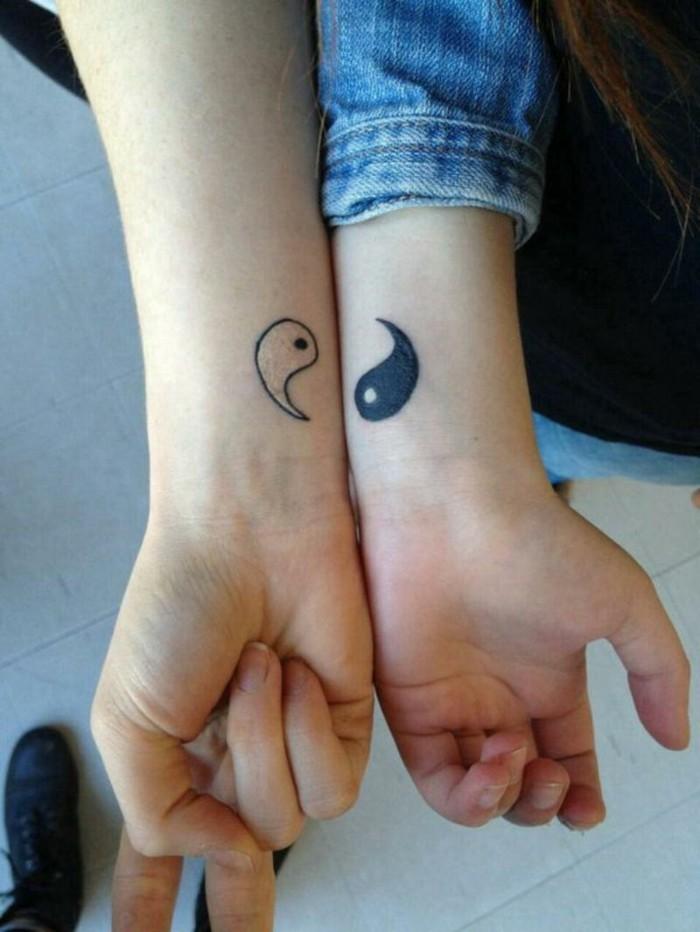 tumblr-tatouage-etoile-poignet--tatouage-polynesien-poignet-inn-et-yann