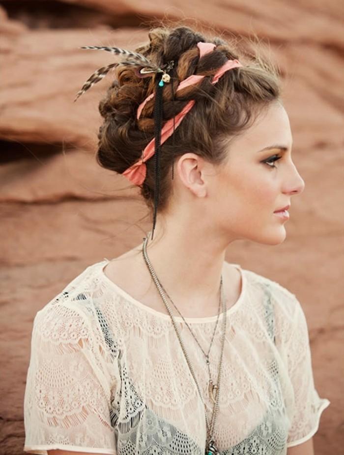 une-coiffure-romantique-chignon-simple-mariee-heusreuse-desert