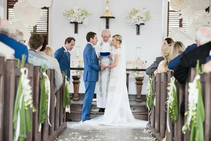 une-coiffure-romantique-chignon-simple-mariee-heusreuse-mariage