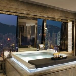 Belle chambre avec jacuzzi privatif - 40 idées romantiques!