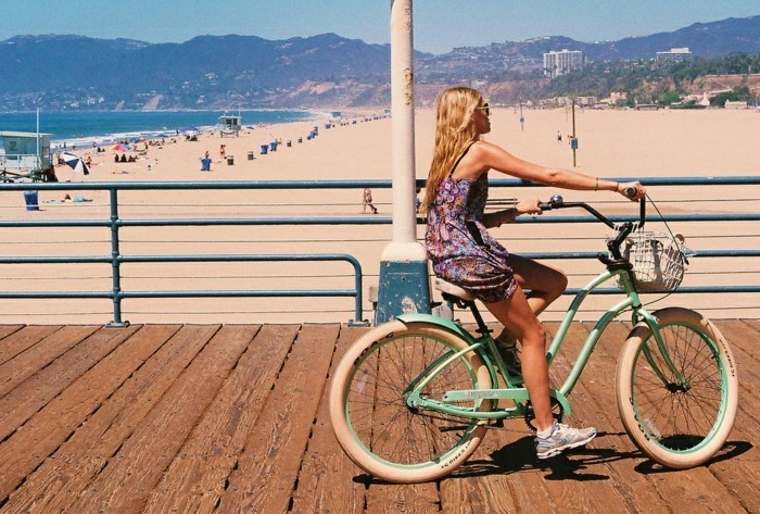 été-sur-le-plage-Image-retro-vélo-vintage-jolie-photographie-bicyclette