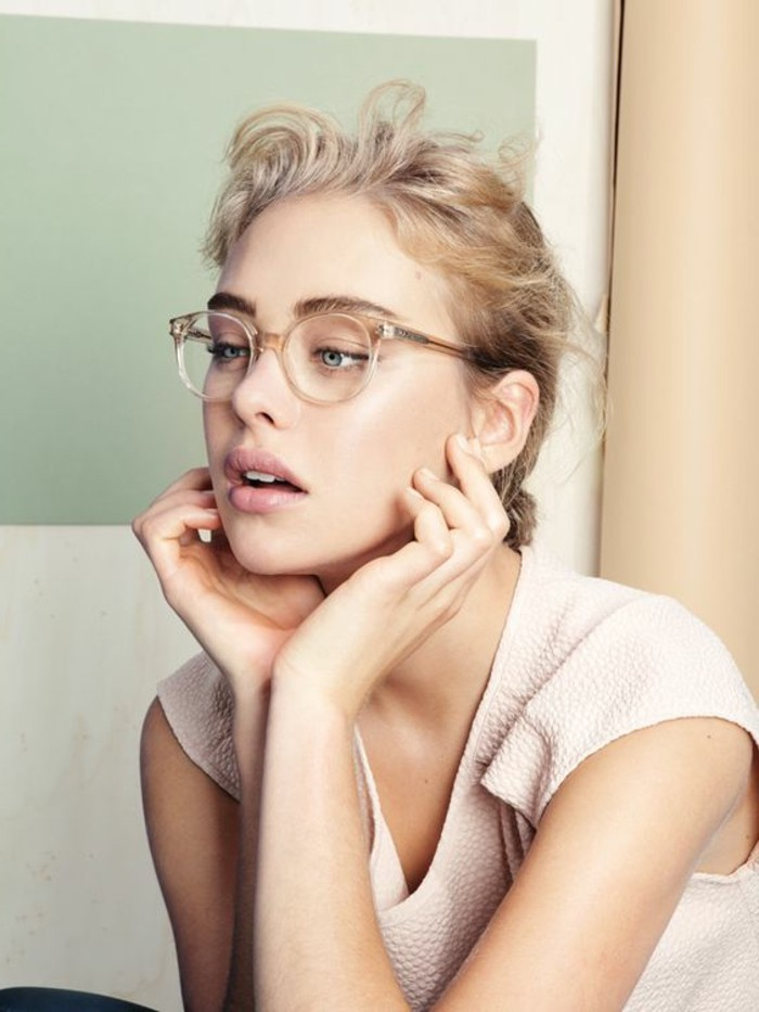 0-ace-and-tate-glasses-lunette-de-vue-sans-correction-monture-femme-de-couleur-beige
