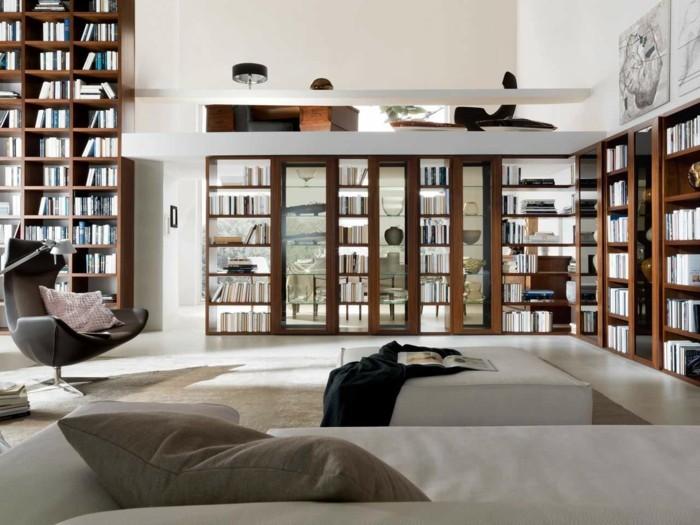 0-bibliothèque-en-bois-foncé-moquette-beige-dans-le-salon-chic-bibliothèque-murale