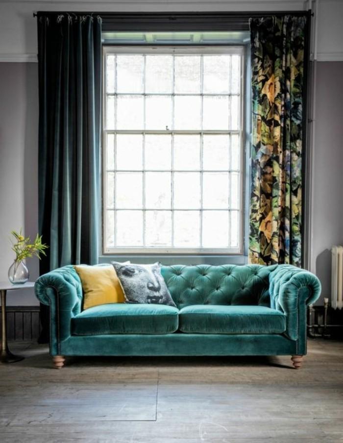0-canapé-chesterfield-pas-cher-pour-le-salon-moderne-sol-en-parquet-gris-clair