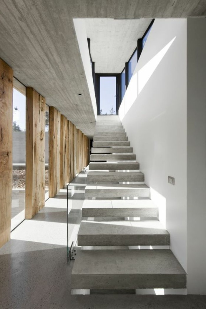 0-interieur-chic-beton-decoratif-plan-de-travail-béton-cire-escalier-en-beton-gris