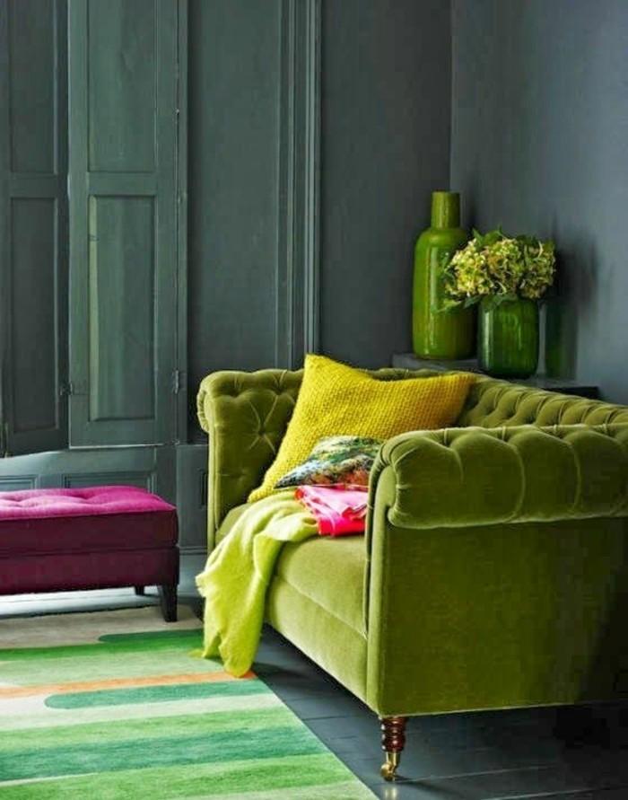 0-interieur-chic-et-moderne-canapé-chesterfield-pas-cher-de-couleur-vert