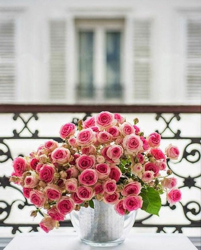 0-joli-balcon-avec-un-fleur-rose-comment-avoir-le-meilleur-balcon-avec-fleurs