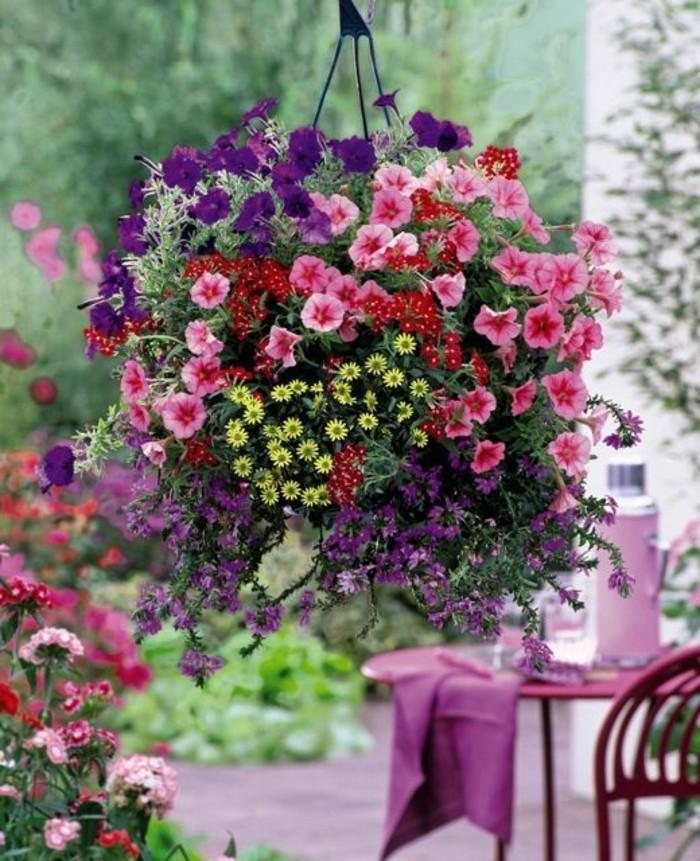 0-jolie-idee-avec-fleurs-roses-de-balcon-exterieur-magnifiques-avec-beaucoup-de-fleurs