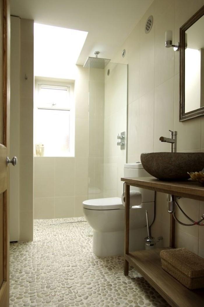 Le carrelage galet pratique rev tement pour la salle de bain for Cailloux decoratif interieur