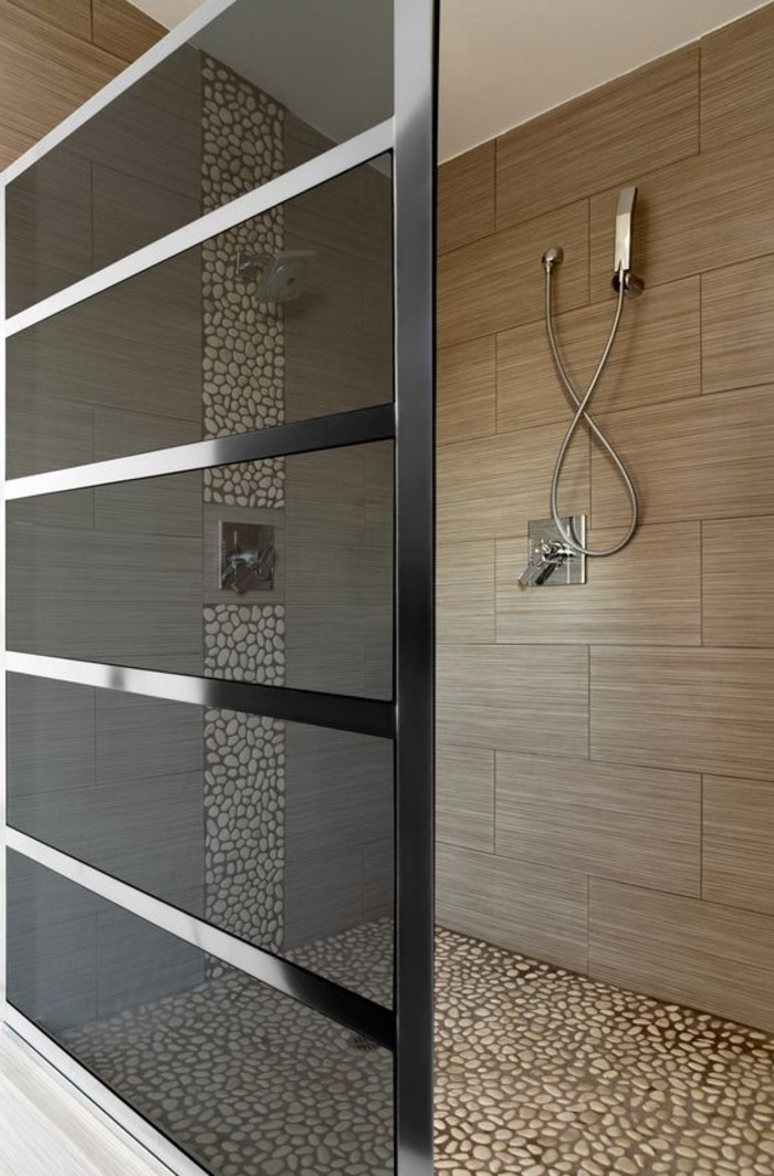 mosaique salle de bain beige galets marbre douche salle. Black Bedroom Furniture Sets. Home Design Ideas