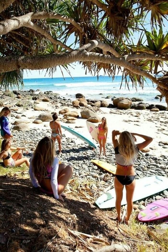0-photo-plage-paradisiaque-surfers-ou-passer-vos-vacances-d-ete-destination-de-reve-plage-sable-blanc