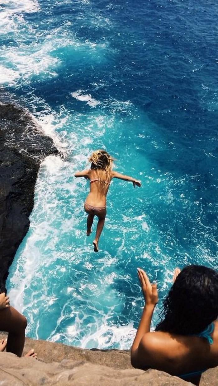 0-plage-paradisiaque-sauter-dans-la-mer-photo-plage-paradisiaque-ile-paradisiaque