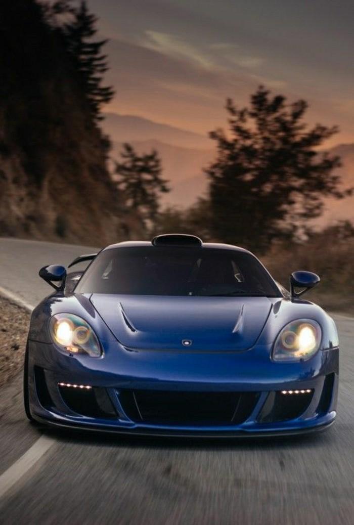 0-porsche-carrera-gt-bleu-foncé-vehicules-de-collection-porsches-bleus-voitures-modernes