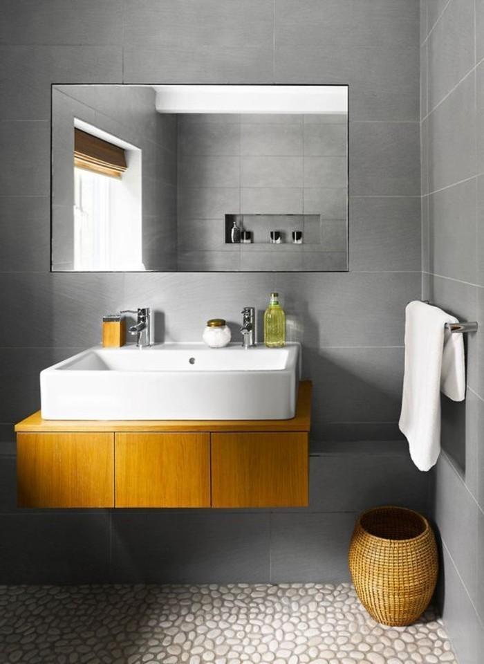 0-salle-de-bain-carrelage-gris-douche-italienne-galet-carreaux-mosaique-pour-la-salle-de-bain