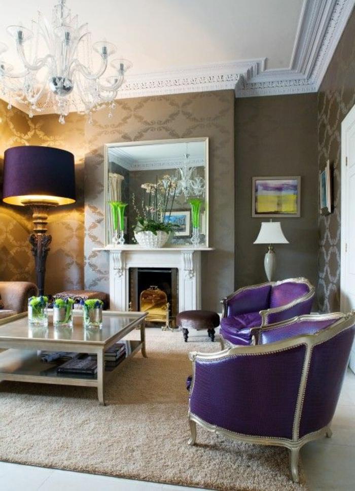 0-salon-baroque-chic-de-couleur-beige-meubles-d-interieur-comment-associer-prune-couleur