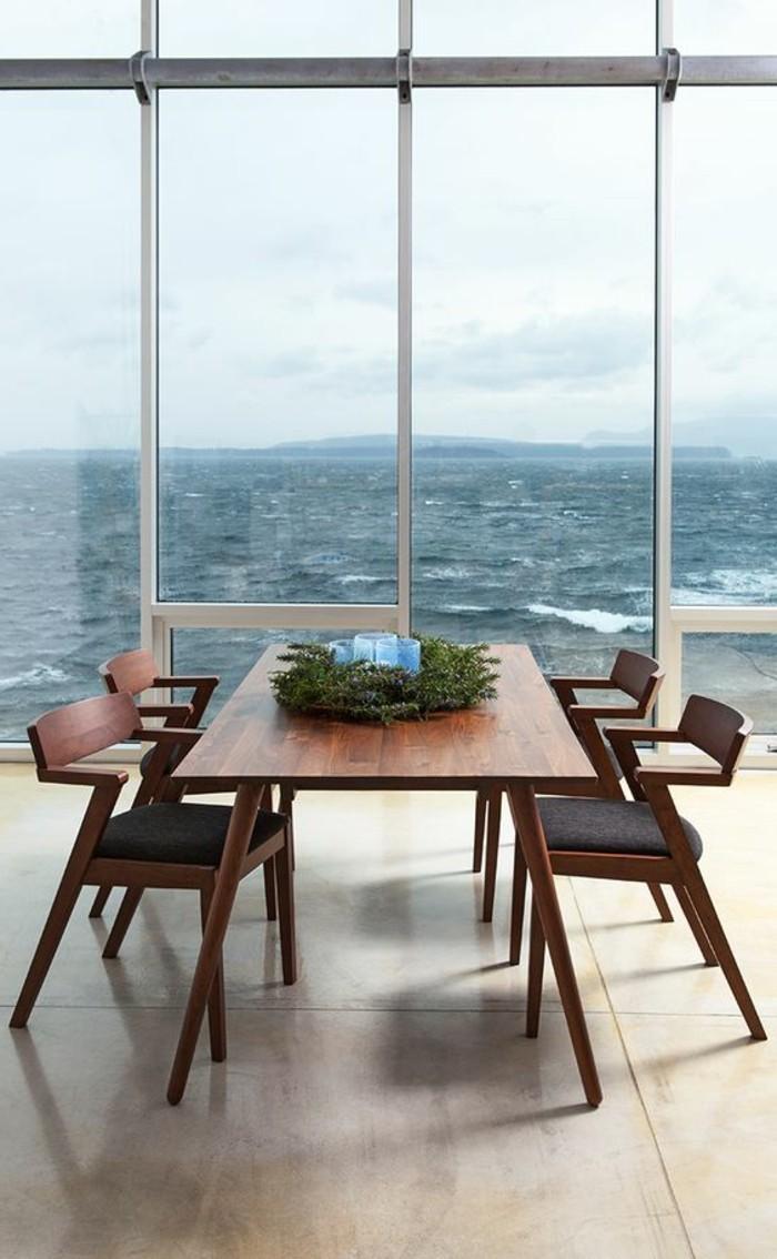 0-table-en-bois-foncé-chaises-de-table-design-pour-la-salle-à-manger-chic-decoration-sur-la-table