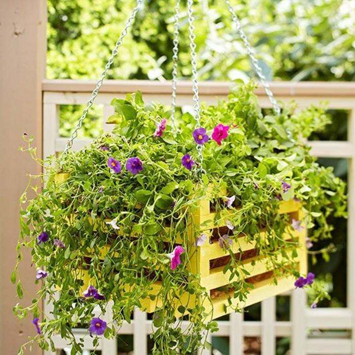 0-une-autre-idee-pour-amenagement-balcon-fleuri-fleurs-en-pot-verts